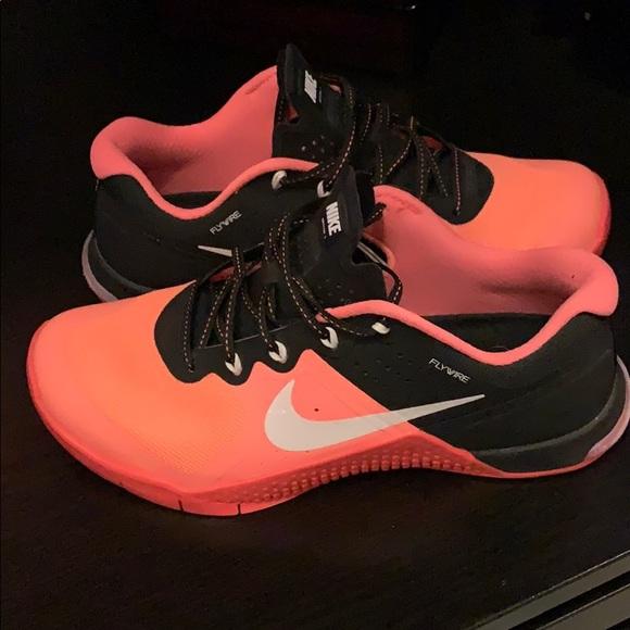 Nike Shoes - Nike Women's size 7.5
